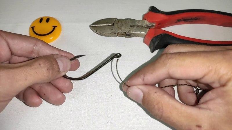 Как привязать второй крючок к основной леске на поплавочной удочке